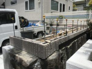 石積擁壁にブロック積み(川西市
